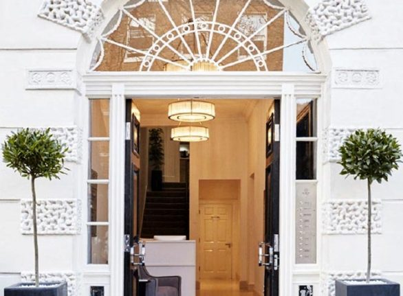 Clinic Entrance at Laserlife - West London's best-kept beauty secret.